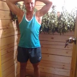 Молодой и горячий парень ищет девушку для секса в Новосибирске