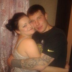 Пара познакомится с девушкой би для совместного времяпровождения в Новосибирске