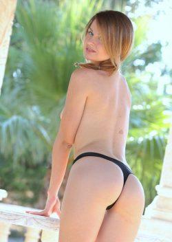 Красивая девушка из Новосибирска хочет секса сегодня с парнем