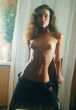 Веселая и обаятельная девушка встретиться с парнем для интимного времяпровождения в Новосибирске.