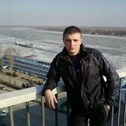 Парень встречусь с красивой и страстной девушкой, женщиной в Новосибирске. Надеюсь ты будешь в чулках!